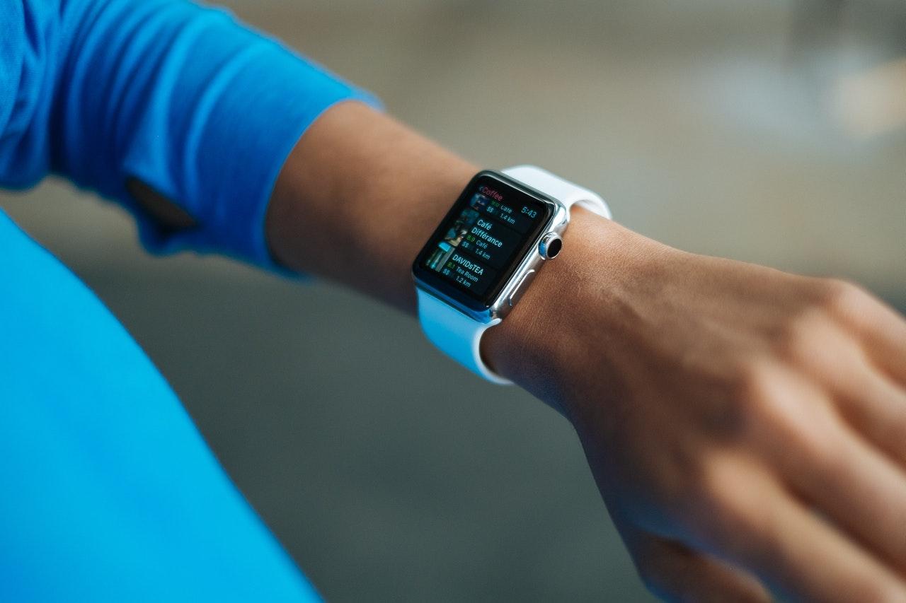 """Apple Watch """"uyku takibi"""" özelliği yeni seride bulunabilir"""